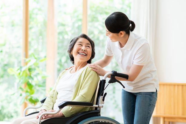 40代女性の転職先として、介護の仕事